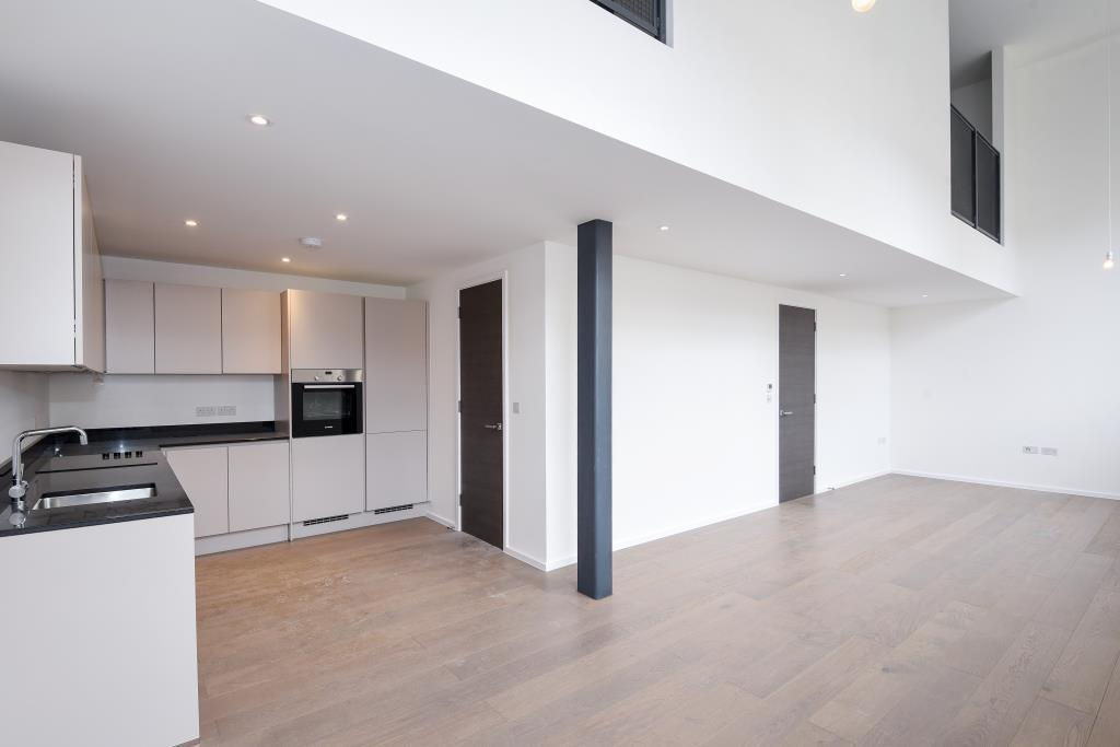 3 Bedrooms Flat for sale in Canterbury Road, Queens Park, NW6, NW6