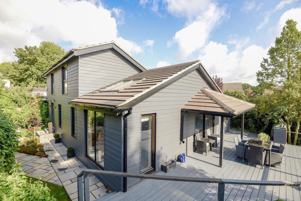 4 Bedrooms Detached House for sale in Englefield Green, Surrey, TW20