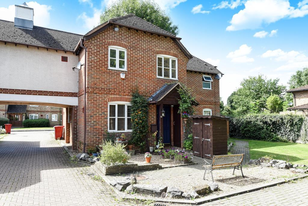 2 Bedrooms House for sale in Colnbrook, Berkshire, SL3