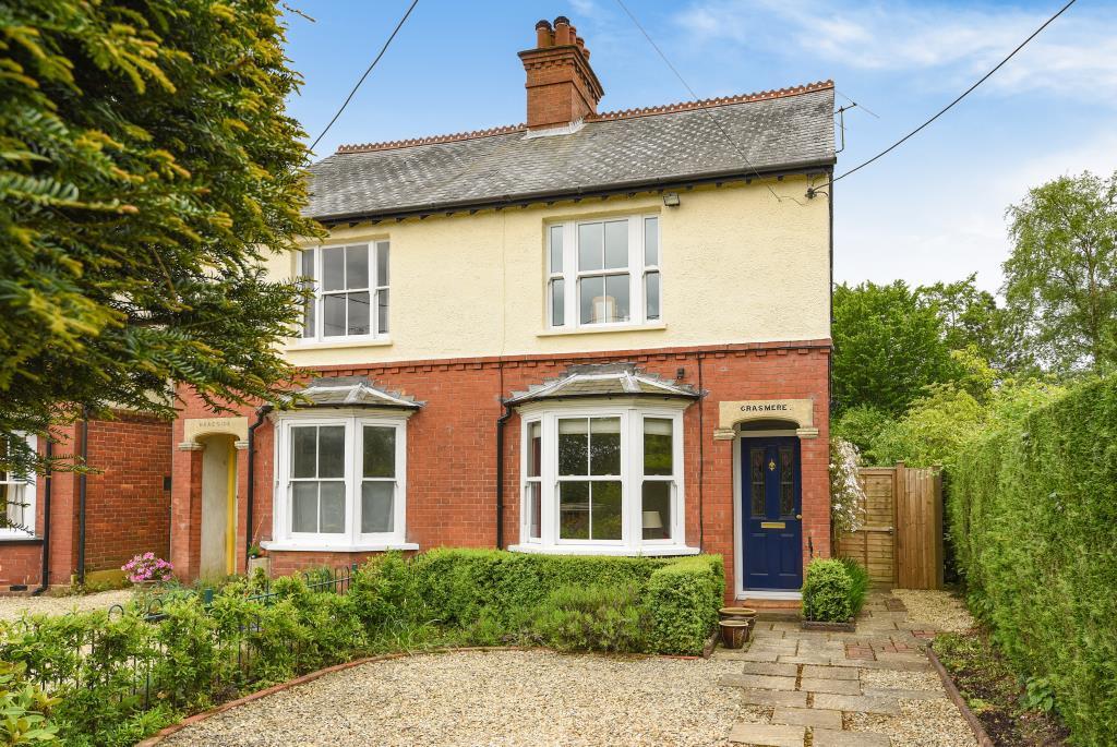2 Bedrooms House for sale in Hyde Heath, Buckinghamshire, HP6