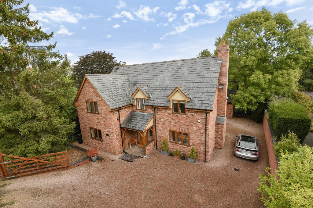 4 Bedrooms Detached House for sale in Tarrington, Hereford, HR1