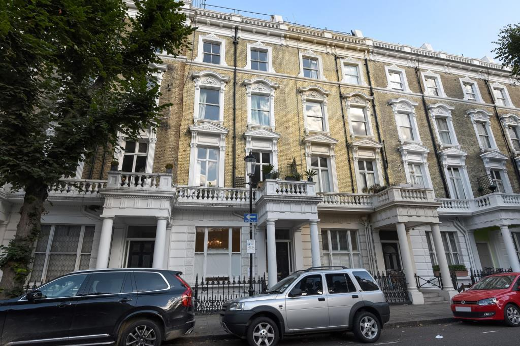 2 Bedrooms Flat for sale in Linden Gardens, W2, W2