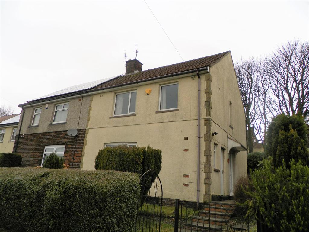 3 Bedrooms Semi Detached House for sale in Buttershaw Drive, Bradford