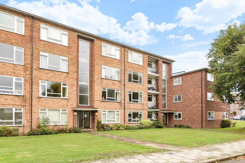 2 Bedrooms Flat for sale in Thatcham Court, High Road, Whetstone, N20