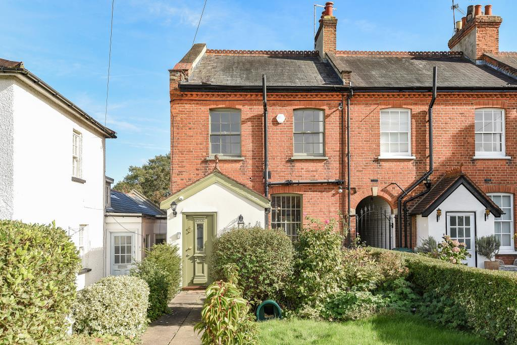 3 Bedrooms House for sale in Hadley Highstone, Barnet, EN5