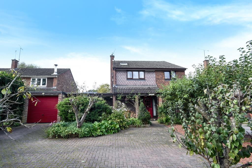 5 Bedrooms Detached House for sale in Wokingham, Berkshire, RG41