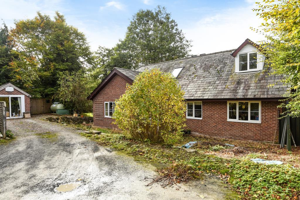 5 Bedrooms Detached House for sale in Whitton, Powys, LD7