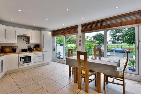 4 bedroom detached house for sale - Bishopswood Road, Highgate, London, N6