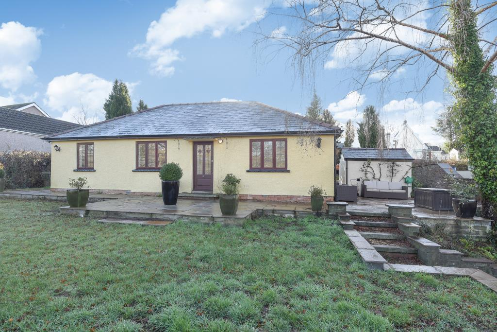 3 Bedrooms Detached Bungalow for sale in Hazelmere,Cwmcrawnon road,Llangynidr,, Powys NP8, NP8