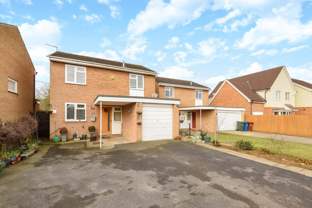 3 Bedrooms Detached House for sale in Taylor Close, Bicester, OX26