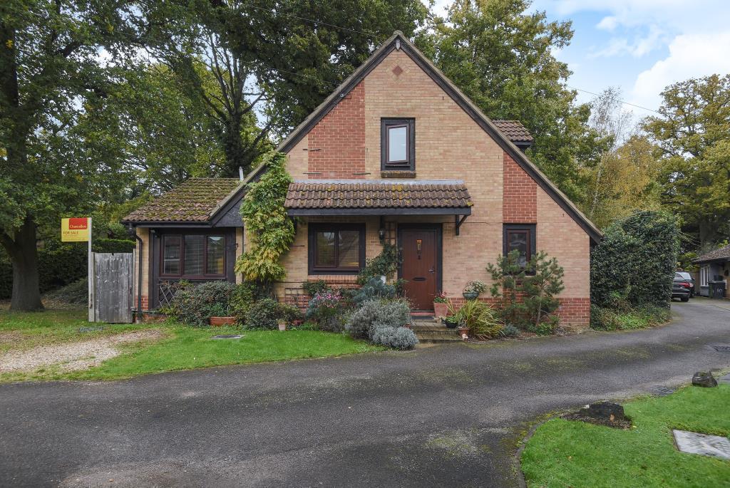 3 Bedrooms Detached House for sale in Hazel Grove, Thatcham, RG18