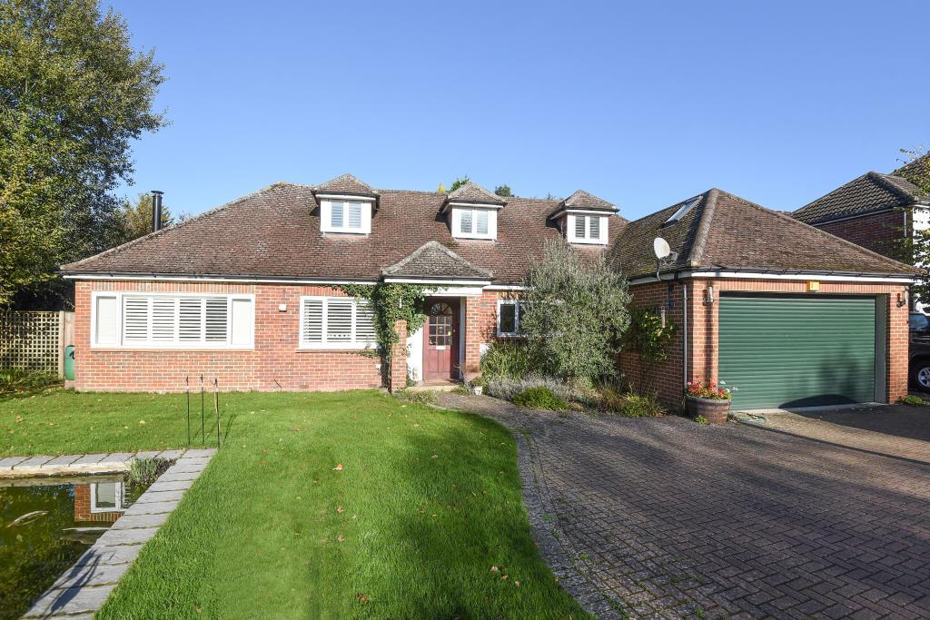 5 Bedrooms Detached Bungalow for sale in Mayford, Woking, GU22