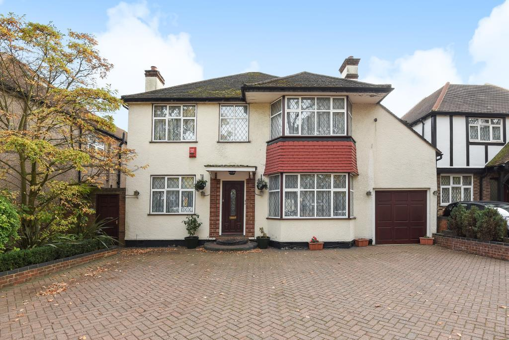 4 Bedrooms Detached House for sale in Stanmore, Middlesex, HA7