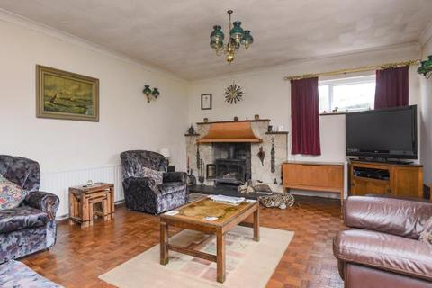 3 bedroom detached bungalow for sale - Lower Green, Hungerford, RG17