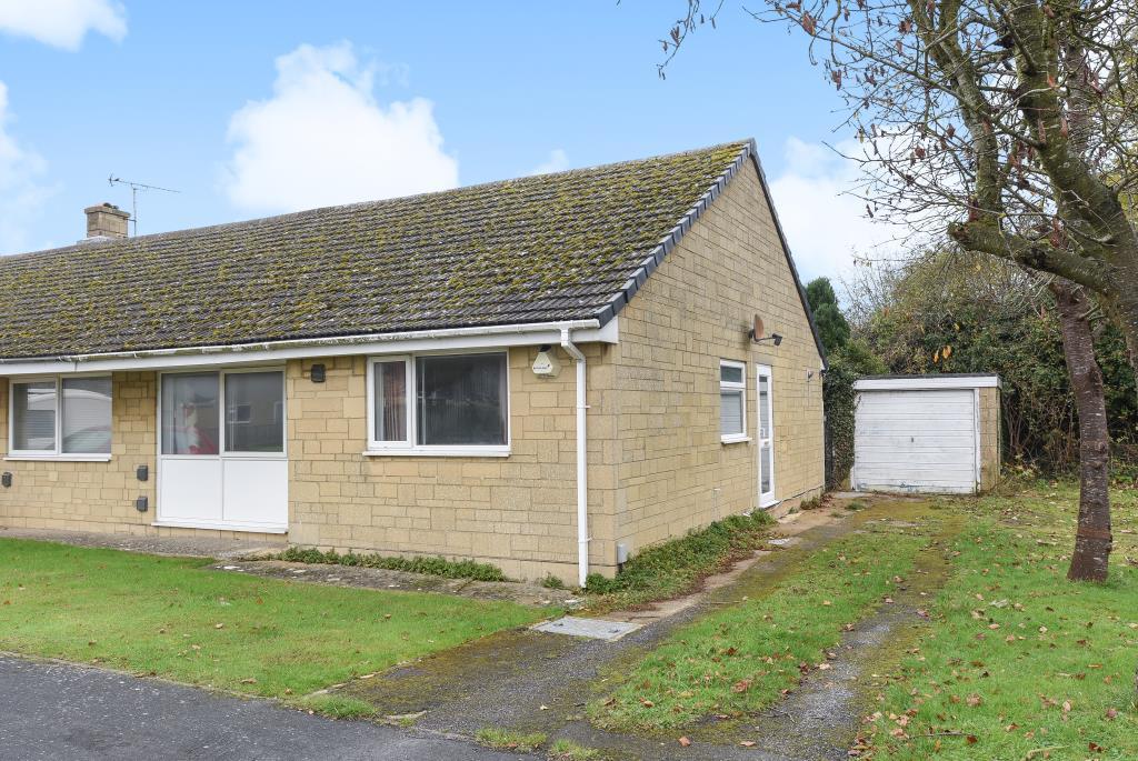 2 Bedrooms Bungalow for sale in Larksfield Close, Carterton, OX18