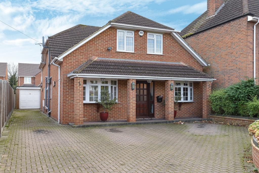 5 Bedrooms Detached House for sale in Slough, Berkshire, SL1
