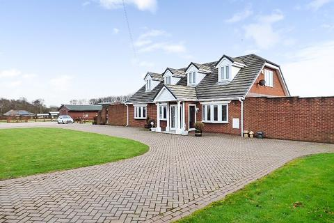 5 bedroom detached house for sale - Winwick Lane, Warrington