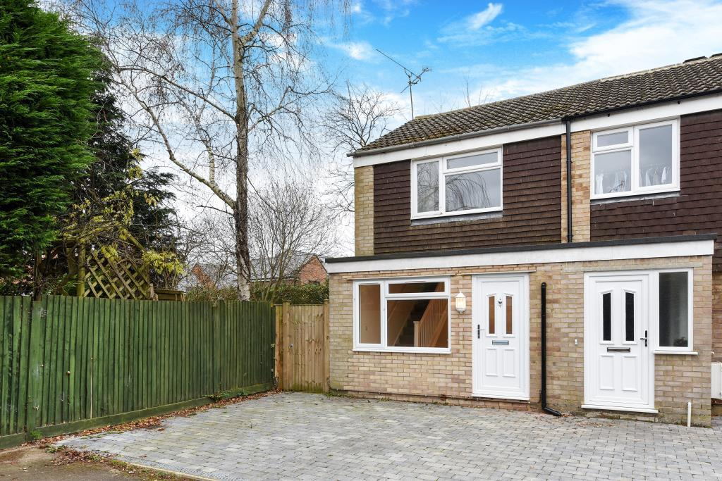 2 Bedrooms House for sale in Hutsons Close, Wokingham, RG40