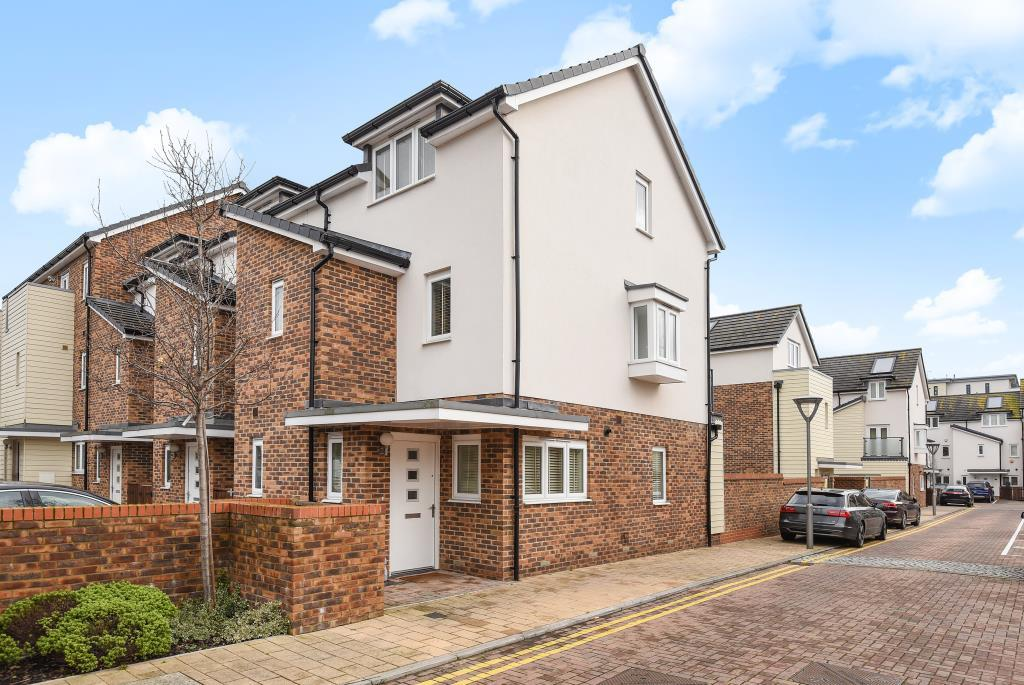 3 Bedrooms House for sale in Addlestone, Surrey, KT15