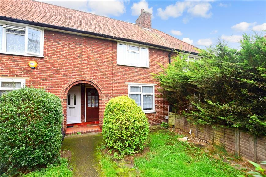 2 Bedrooms Terraced House for sale in Green Lane, Dagenham, Essex