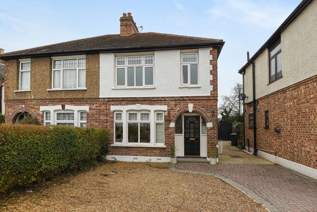 3 Bedrooms House for sale in Manor Lane, Lower Sunbury, TW16