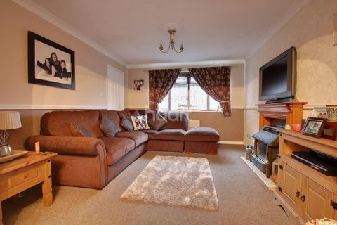 4 bedroom detached house for sale - Salmon Crescent, Minster on Sea