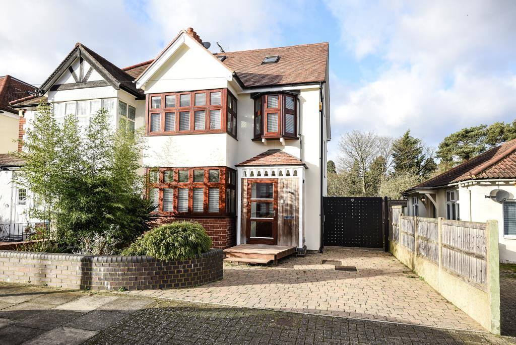 4 Bedrooms House for sale in Edgware, Middlesex, HA8