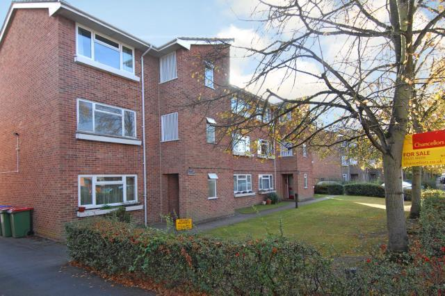 1 Bedroom Flat for sale in Boundary Road, Berkshire, RG14