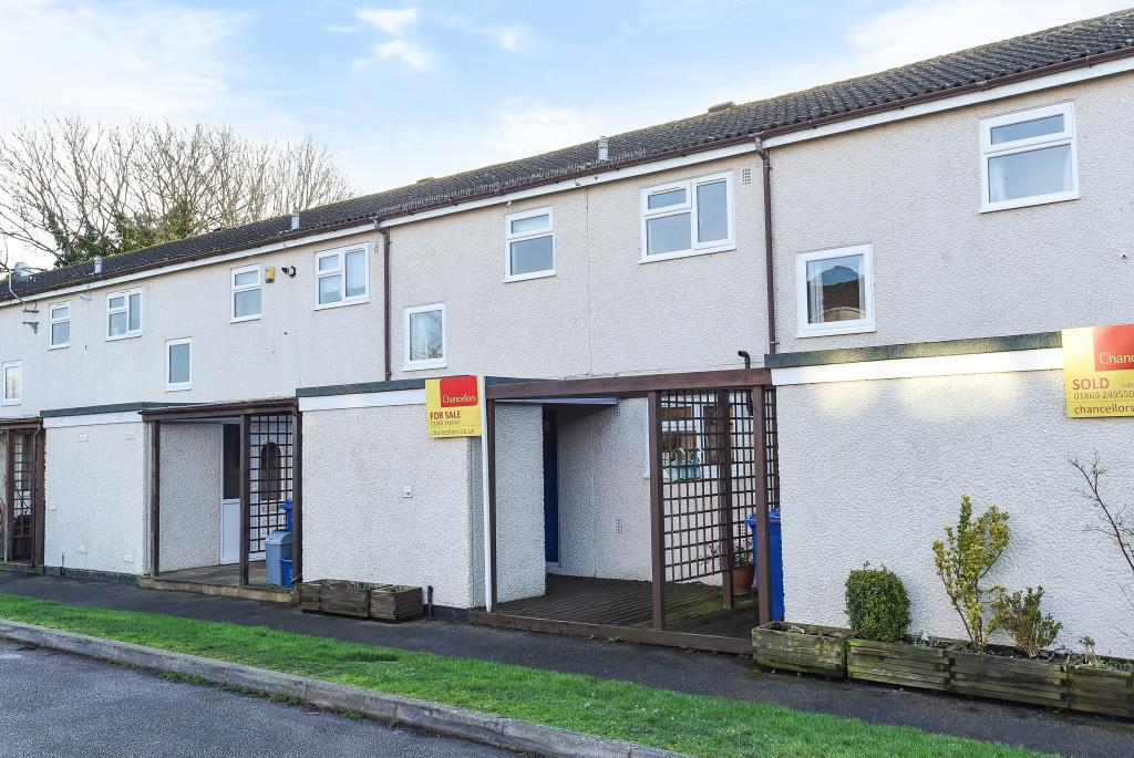 2 Bedrooms House for sale in Laburnum Close, Ambrosden, OX25
