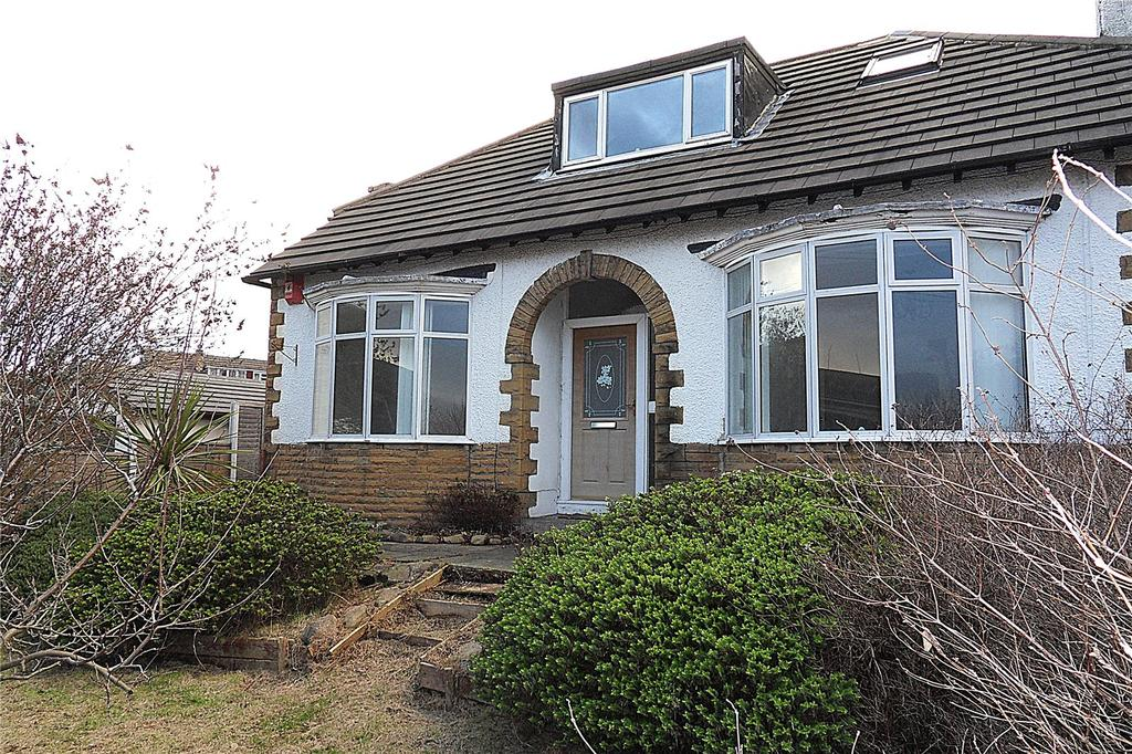 2 Bedrooms Detached Bungalow for sale in Huddersfield Road, Mirfield, West Yorkshire, WF14