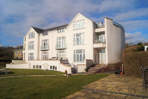 3 bedroom flat for sale - Caernarfon Road, Pwllheli