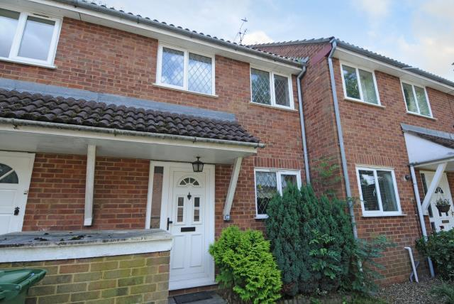 2 Bedrooms House for sale in Pinner, Middlesex, HA5