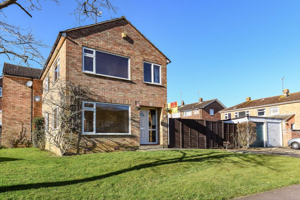 3 Bedrooms House for sale in Nuffield Drive, Banbury, OX16