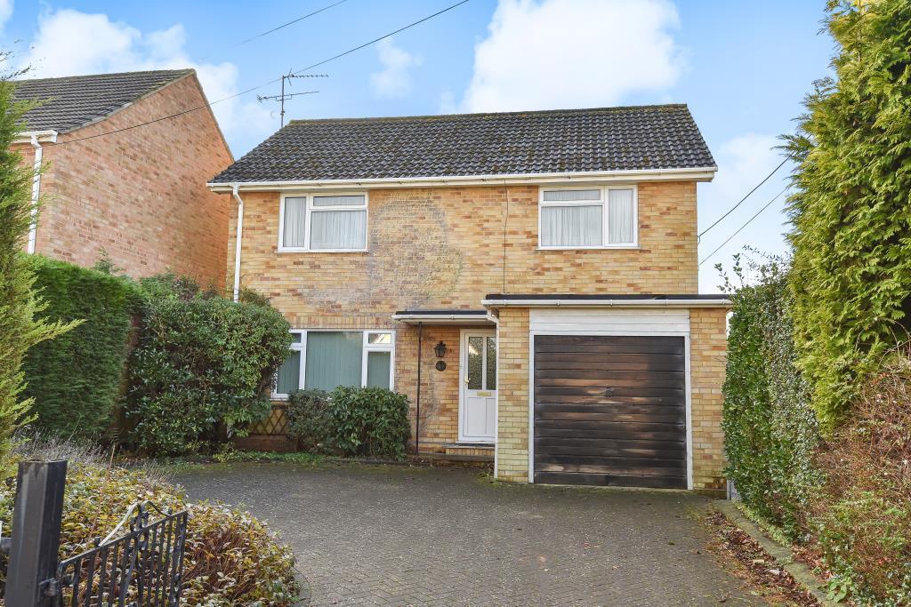 4 Bedrooms Detached House for sale in Glenmount Road, Mytchett, Camberley, GU16