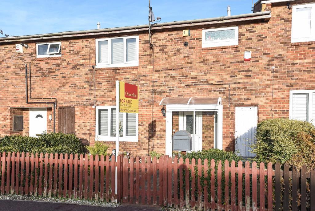 3 Bedrooms House for sale in Bedwyn Walk, Aylesbury, HP21