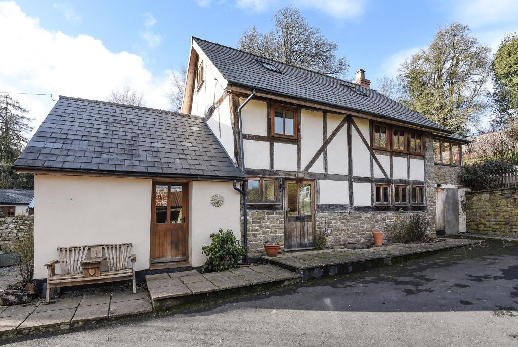 3 Bedrooms Detached House for sale in Kington, Herefordshire, HR5