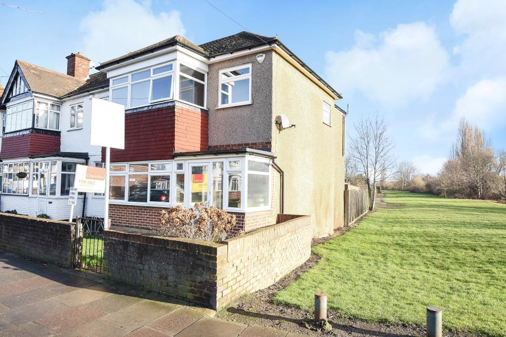 3 Bedrooms House for sale in Ruislip, Middlesex, HA4