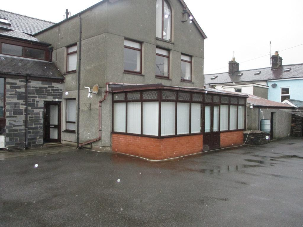 1 Bedroom Flat for sale in Flat 2 Hen Fecws, Chandlers Place, Porthmadog LL49
