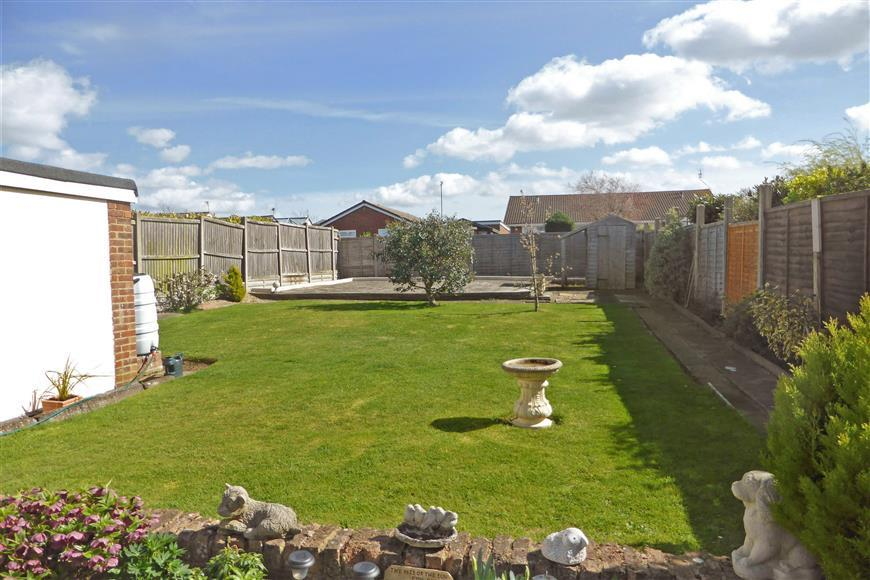 2 Bedrooms Semi Detached Bungalow for sale in Chanctonbury Chase, Seasalter, Whitstable, Kent