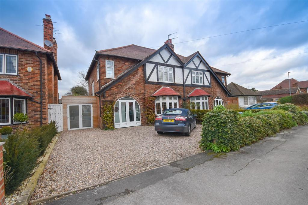 4 Bedrooms Semi Detached House for sale in Davies Road, West Bridgford, Nottingham