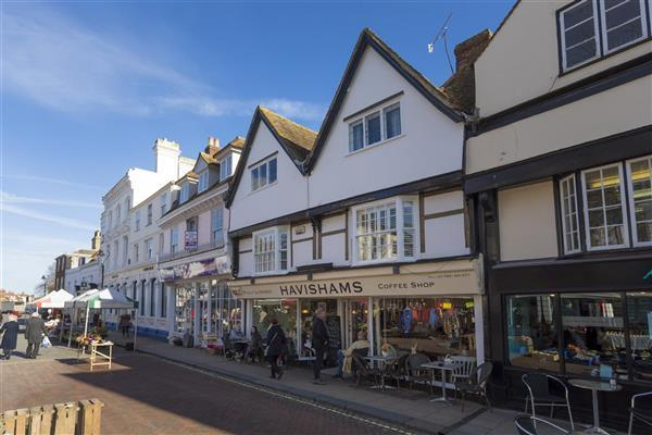 3 Bedrooms Apartment Flat for sale in Court Street, Faversham