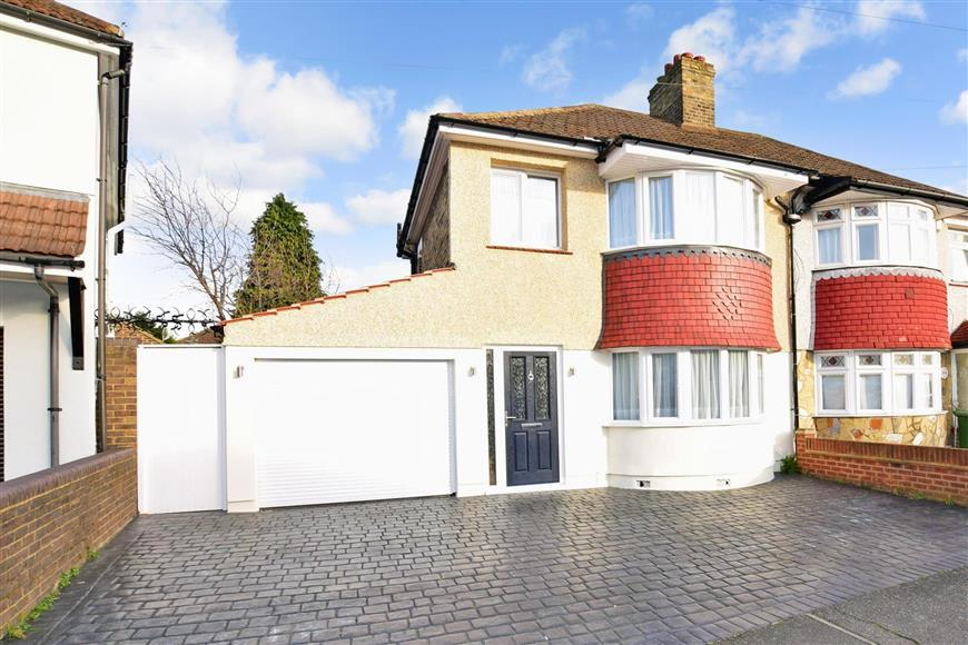 3 Bedrooms Semi Detached House for sale in Gipsy Road, Welling, Kent