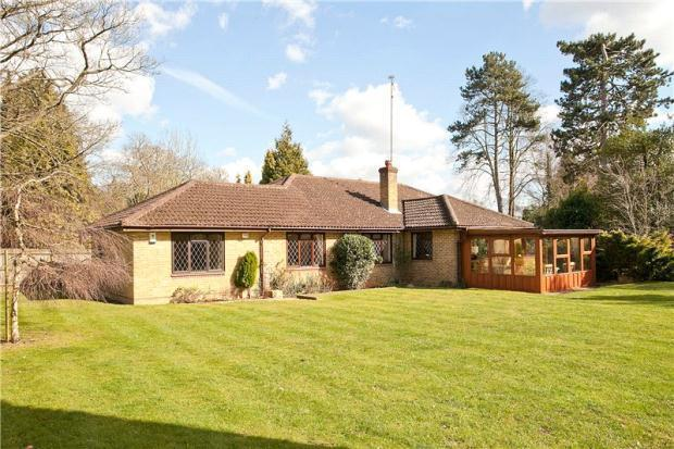 5 Bedrooms Detached House for sale in Shiplake, Private Road, RG9