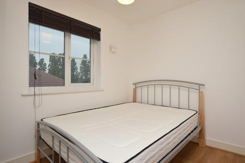 Studio to rent - Cumberland Place Catford SE6