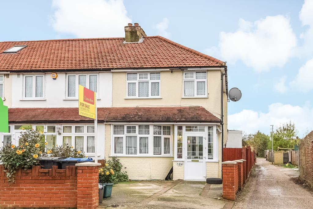 3 Bedrooms House for sale in Fullers Way South, Chessington, KT9