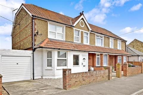 4 bedroom semi-detached house for sale - Park Avenue, Birchington, Kent