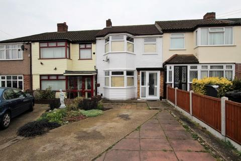3 bedroom terraced house to rent - Rush Green RM7