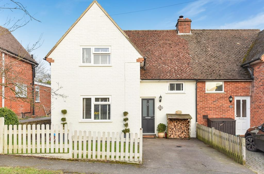 4 Bedrooms Semi Detached House for sale in Pitfold Avenue, Haslemere, GU27