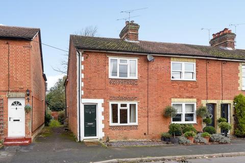 2 bedroom house to rent - Bagshot, Surrey, GU19