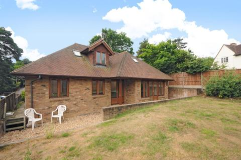 3 bedroom detached bungalow to rent - Lightwater, Surrey, GU18